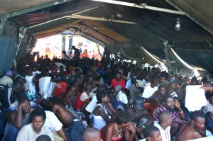 Haitian refugees on the way to Guantanamo