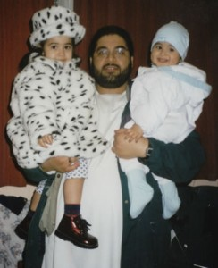 Abdul_Shaker_with_Children[1]